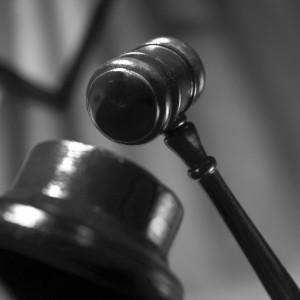 """""""Prawo żyje w świadomości obywateli. – Konstytucja nie jest własnością grupki prawników czy sędziów, ale należy do całego narodu."""" - Anthony Kennedy"""